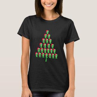 Z Fun Alien Santa Funny Christmas Tree Pattern T-Shirt