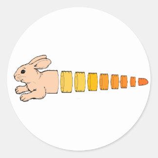 Zanahoria del conejito pegatina redonda