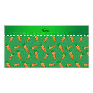 Zanahorias anaranjadas verdes conocidas plantilla para tarjeta de foto
