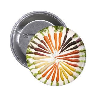 Zanahorias coloridas de la diversión pin redondo de 2 pulgadas