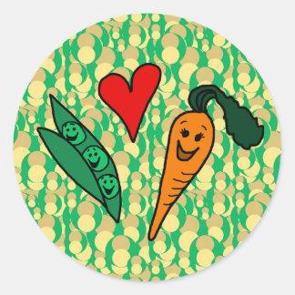 Zanahorias del amor de los guisantes, diseño verde pegatina redonda