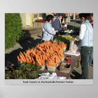 Zanahorias en el mercado de los granjeros de Brock Póster