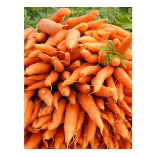 Zanahorias en el mercado de los granjeros