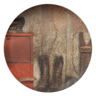 Zapatero - el limpiabotas 1900 del zapato plato