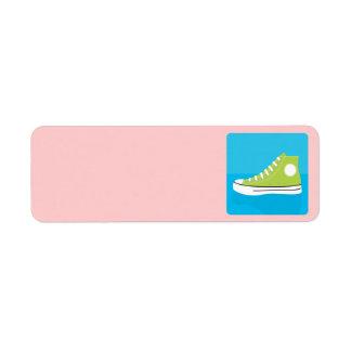 Zapatilla de deporte verde etiqueta de remite