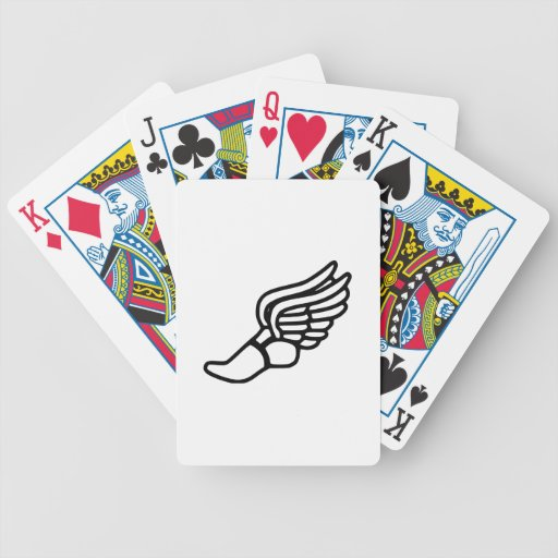 Zapatilla deportiva con las alas cartas de juego
