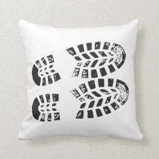 Zapatillas de deporte negras y impresión blanca cojines