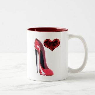 Zapato del estilete y corazón rojos 3D Taza De Café
