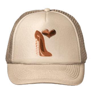 Zapato del tacón alto del estilete y corazón de co gorras de camionero