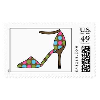 Zapato intrépido y brillante del tacón alto de los sellos