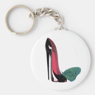 Zapato negro del tacón alto del estilete y maripos llavero redondo tipo pin