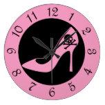 Zapato rosado del tacón alto del cráneo relojes de pared