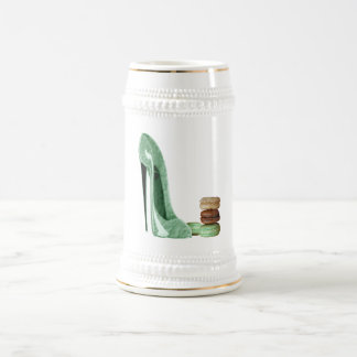 Zapato verde en colores pastel y macarrones jarra de cerveza