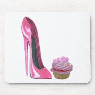 Zapato y magdalena rosados del estilete mouse pads