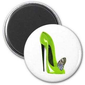 Zapato y mariposa del estilete de la verde lima imán redondo 5 cm
