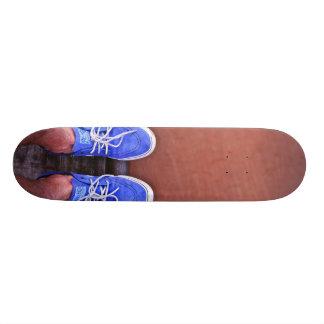 Zapatos azules - monopatín de la rampa