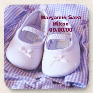 Zapatos conocidos de la fecha del bebé de los posavasos