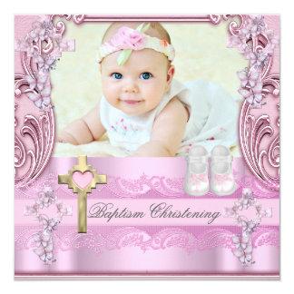 """Zapatos cruzados rosados del bautizo de la foto invitación 5.25"""" x 5.25"""""""