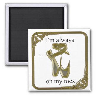 Zapatos de ballet del oro con el texto imán cuadrado