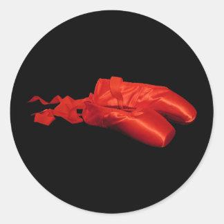 Zapatos de ballet rojos pegatina redonda