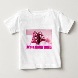Zapatos de bebé lindos de la niña playera de bebé