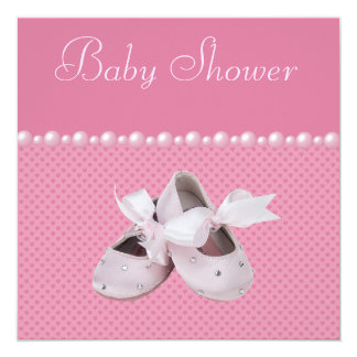 """Zapatos de la fiesta de bienvenida al bebé, ropa y invitación 5.25"""" x 5.25"""""""
