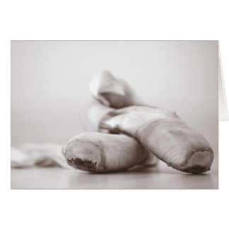 Zapatos de Pointe del ballet en la plantilla de Da Tarjetas