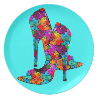 Zapatos del tacón alto de la diversión del verano plato