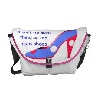 Zapatos del tacón alto del fashionista bolsa de mensajería