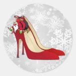 Zapatos del tacón alto/duende rojos de Santa Pegatinas Redondas