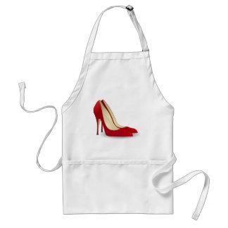 zapatos rojos del tacón alto delantal