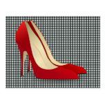 zapatos rojos del tacón alto tarjeta postal