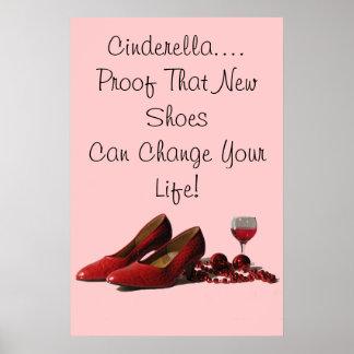 Zapatos rojos del tacón alto y vino rojo poster