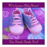 Zapatos rosados de las invitaciones dulces invitacion personal