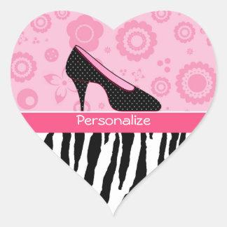 Zapatos rosados femeninos de la cebra de moda con pegatina en forma de corazón