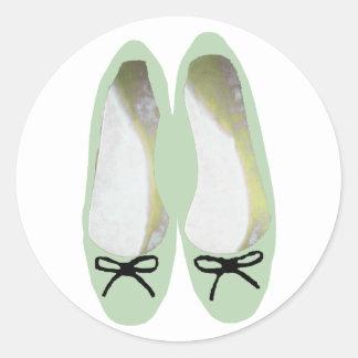 Zapatos verdes pegatina redonda