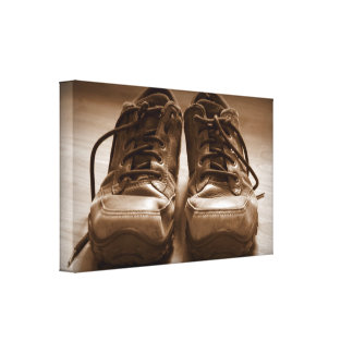 Zapatos viejos lona envuelta para galerias