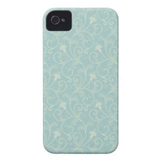 Zarzamora elegante de los remolinos florales poner iPhone 4 Case-Mate protectores