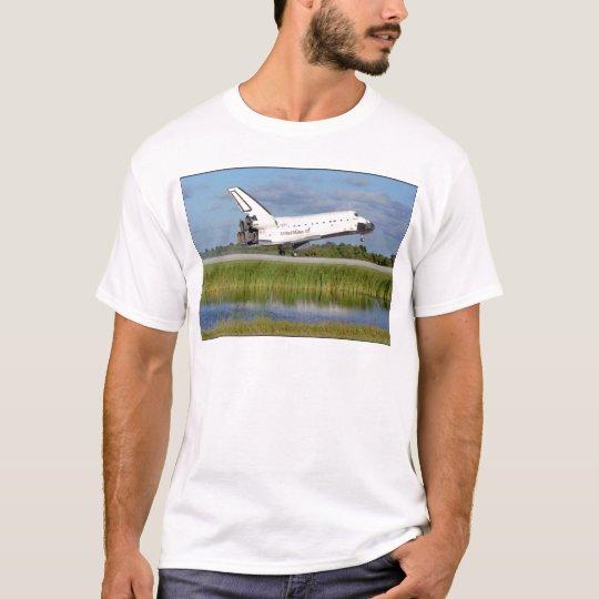 ZAZ222 STS86 Atlantis Landing T-Shirt