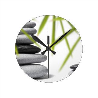 Zen del guijarro reloj redondo mediano