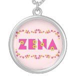 Zena en el rosa de Flores Collar Plateado