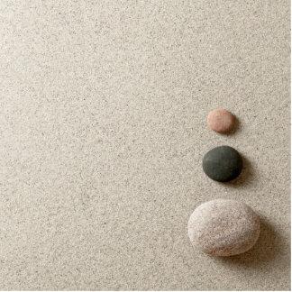 ZENES Stone coloridos en fondo de la arena Fotoescultura Vertical