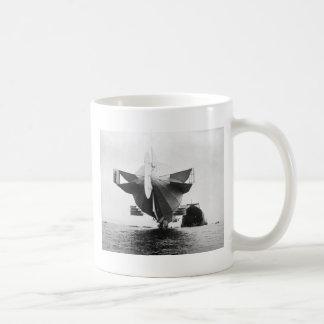 Zeppelin Airship, 1908 Coffee Mugs