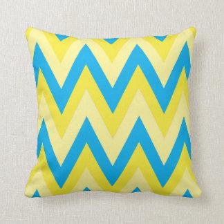 Zigzag amarillo y azul grande de Chevron Cojín Decorativo