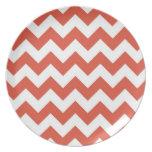 Zigzag anaranjado y blanco platos para fiestas