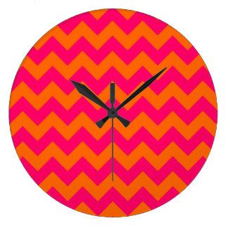 Zigzag anaranjado y rosado reloj redondo grande