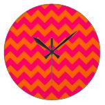 Zigzag anaranjado y rosado relojes