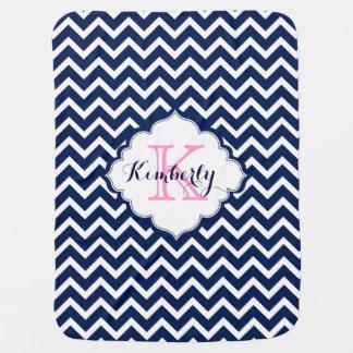 Zigzag azul marino y blanco Chevron de Monogramed Mantitas Para Bebé