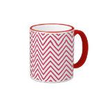 Zigzag blanco rojo del monograma taza