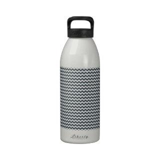 Zigzag - blanco y carbón de leña botallas de agua